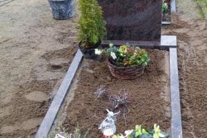 Muenster Grabstein mit Einfassung