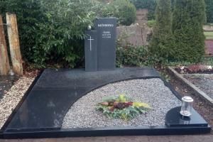 Paderborn Grabstein Doppelgrab mit Rahmen und Abdeckplatten