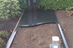 Werne, Grabstein mit Gravur und Teilabdeckplatte