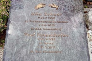 Bad Sassendorf, Urnengrabplatte Vollabdeckung mit Bronzeschrift