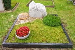Domfriedhof Hildesheim, Doppelgrab mit Einfassung