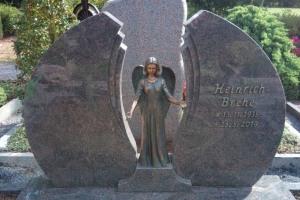Ahlen, Dolberg, Grabstein, Breitstein, Flügelstein, Bronzeengel, Bronzeschrift