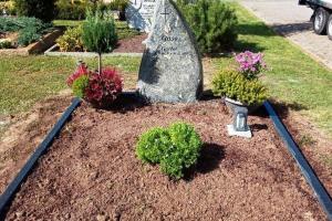 Grabanlage, Grabstein, Felsen, Einfassung
