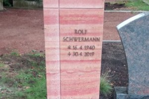 Laer, Grabstein, Einzelstein, Stele, Bronzeschrift
