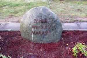 Brockhagen, Denkmal, Findling, Bronzeschrift