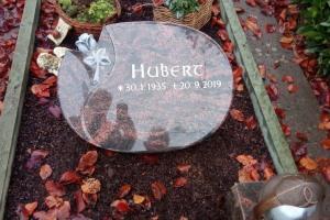 Grabanlage, Grabstein, Liegestein, Einfassung, Grableuchte