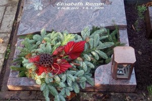 Sassenberg Grabsteinplatte mit Laterne