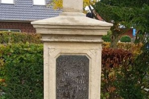 Warendorf restauriertes Sandsteinkreuz