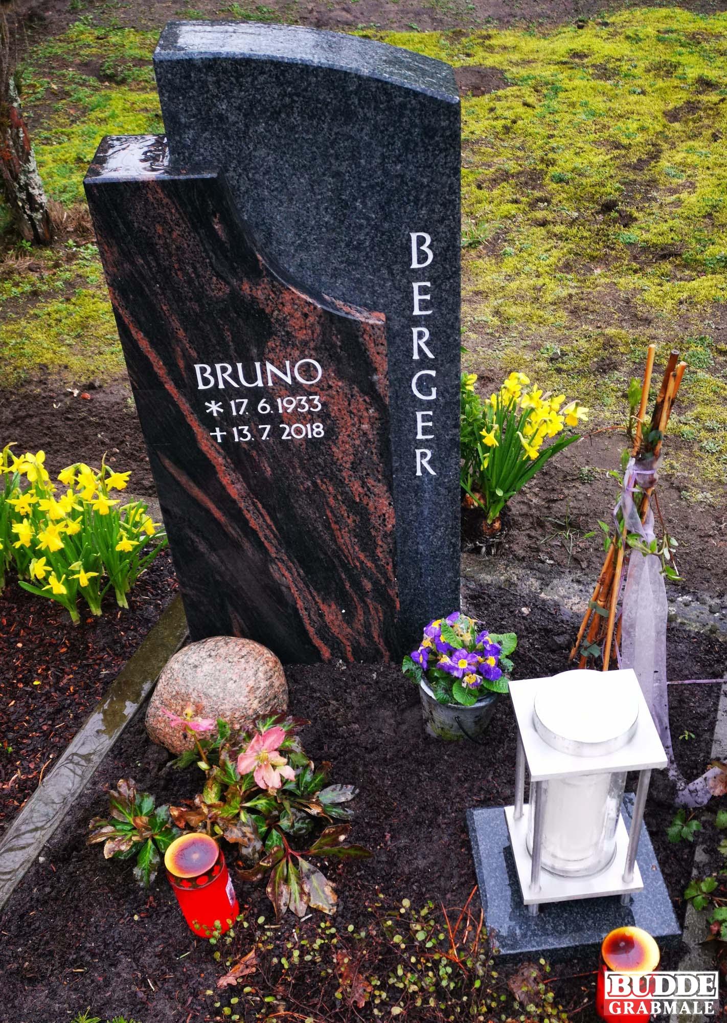 Sassenberg, Urnengrabstein