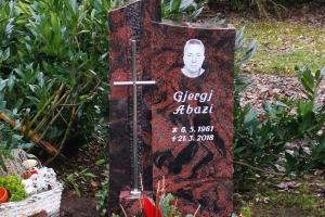 Dülmen, Grabstein zweiteilig mit Gravur und Edelstahlkreuz