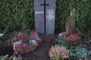 Enniger, Grabstein zweiteilig