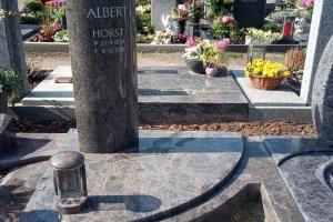 harsewinkel_urnengrabanlage-mit-teilausschnitt-grablaterne-aus-granit