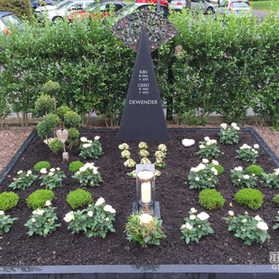 Beverungen - Denkmal mit Einfassung