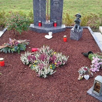 Liesborn - Grabstein mit Einfassung