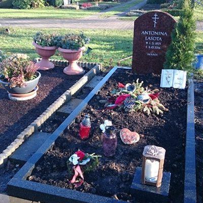 Stieghorst - Grabmal mit Einfassung