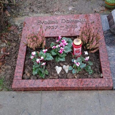Iserloh - Urnengrabanlage mit Bronzeschrift